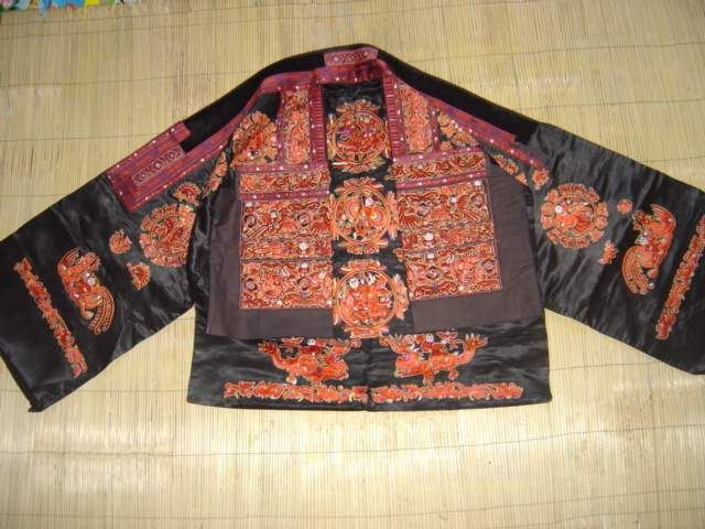 Miao embroidery: history and mythology in
